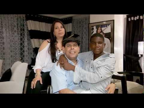 Fernando-Villalona-y-su-familia-hablan-para-Un-Paso-a-La-Vez