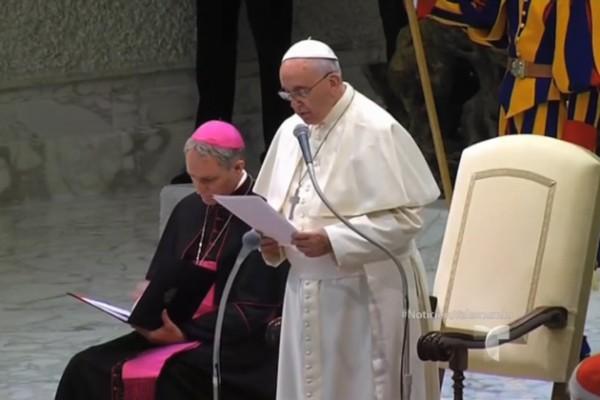 Papa recibe a niños con autismo en el Vaticano