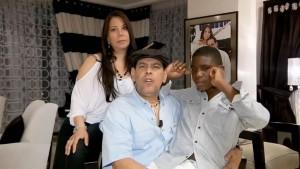 Fernando Villalona y su familia hablan para Un Paso a La Vez